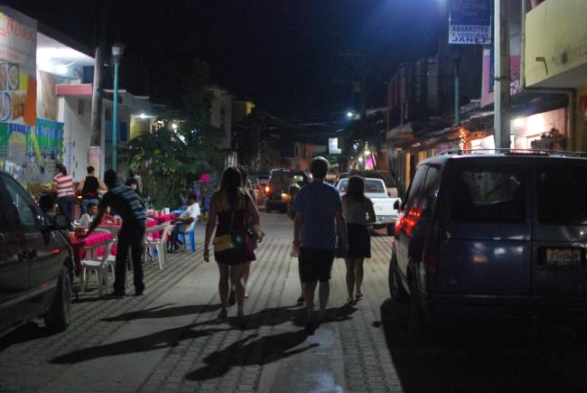 La Manzanilla at night